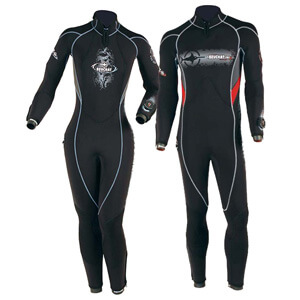 Beuchat Focea Comfort 4 With Hood Available At Blenheim Dive Centre